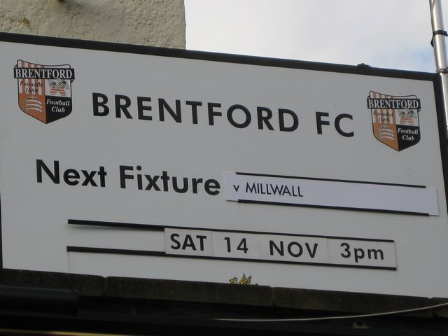 Brentford FC - Millwall FC, Griffin Park, League One, 14/11/2009