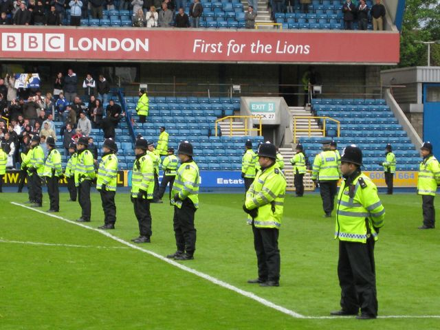 Millwall FC - Swindon Town, New Den, League One, 08/05/2010