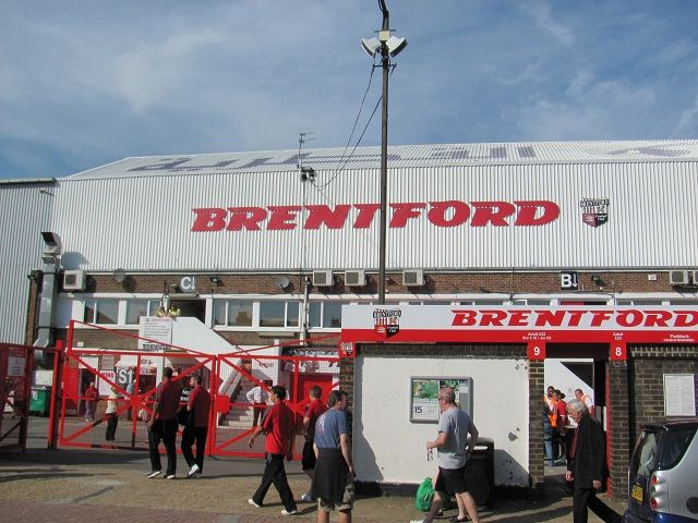 Brentford FC - Huddersfield Town, Griffin Park, League One, 01/10/2011