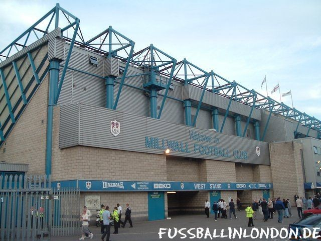 The Den - West Stand - Millwall FC - fussballinlondon.de