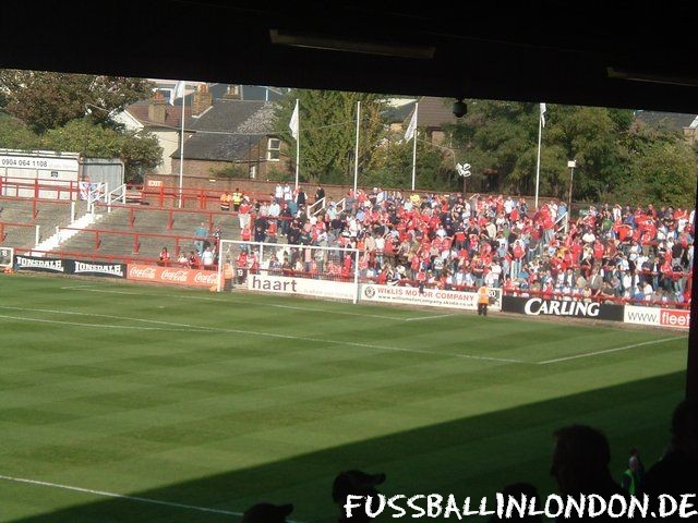 Griffin Park - Ealing Rd Stand (Away Section) - Brentford FC - fussballinlondon.de